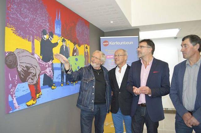 De gauche à droite, Yves Quentel, président fondateur de l'association Hangar't ; Christian Le Bihan, adjoint au maire chargé du quartier de Kerfeunteun ; Allain Le Roux, adjoint au maire chargé de la culture et Maurice Even, vice-président d'Agri Deiz.